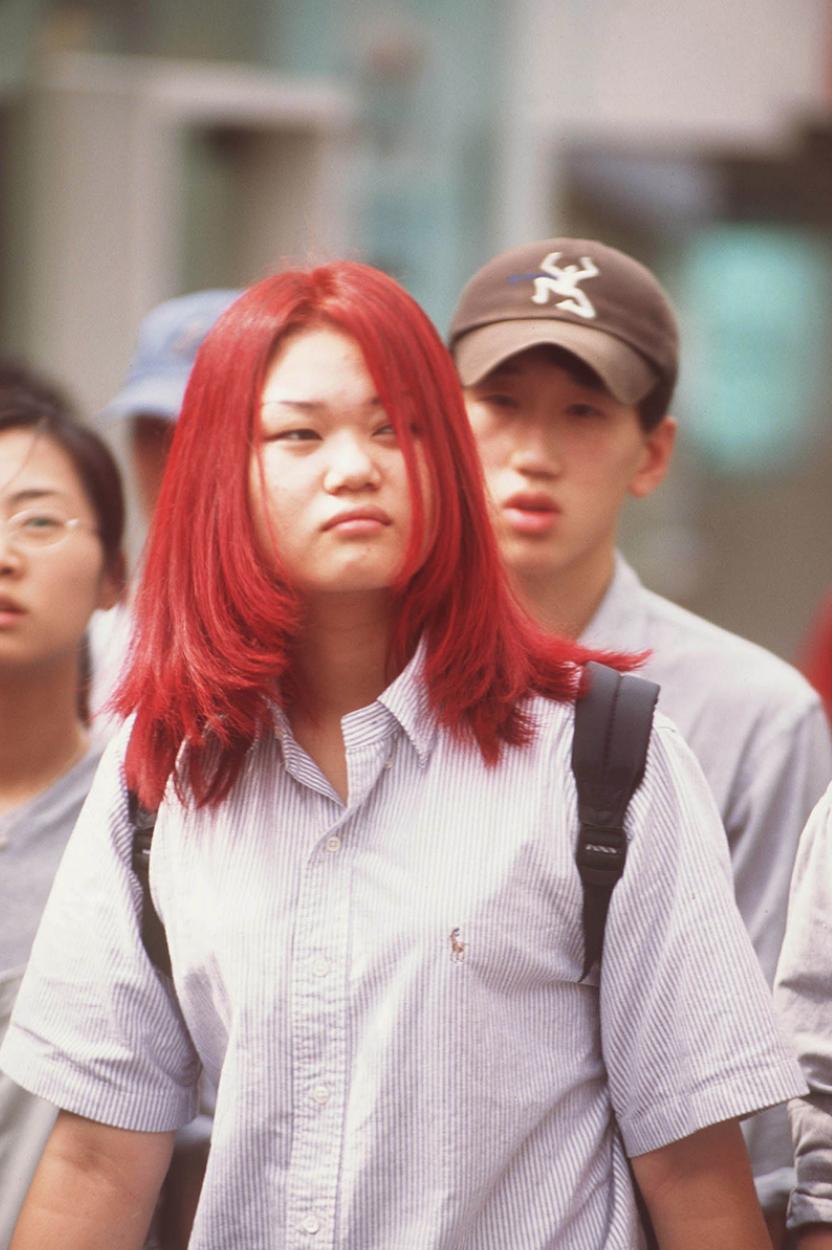 Xem ảnh street style thập niên 90 của Hàn Quốc mới ngớ ra: Thời đó quả là chất chơi! - Ảnh 9.