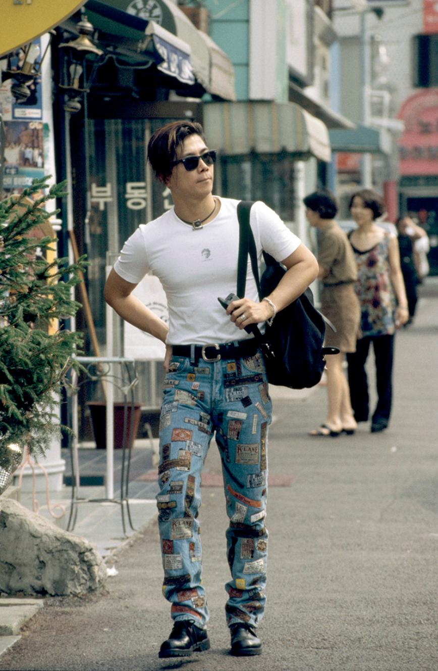 Xem ảnh street style thập niên 90 của Hàn Quốc mới ngớ ra: Thời đó quả là chất chơi! - Ảnh 16.