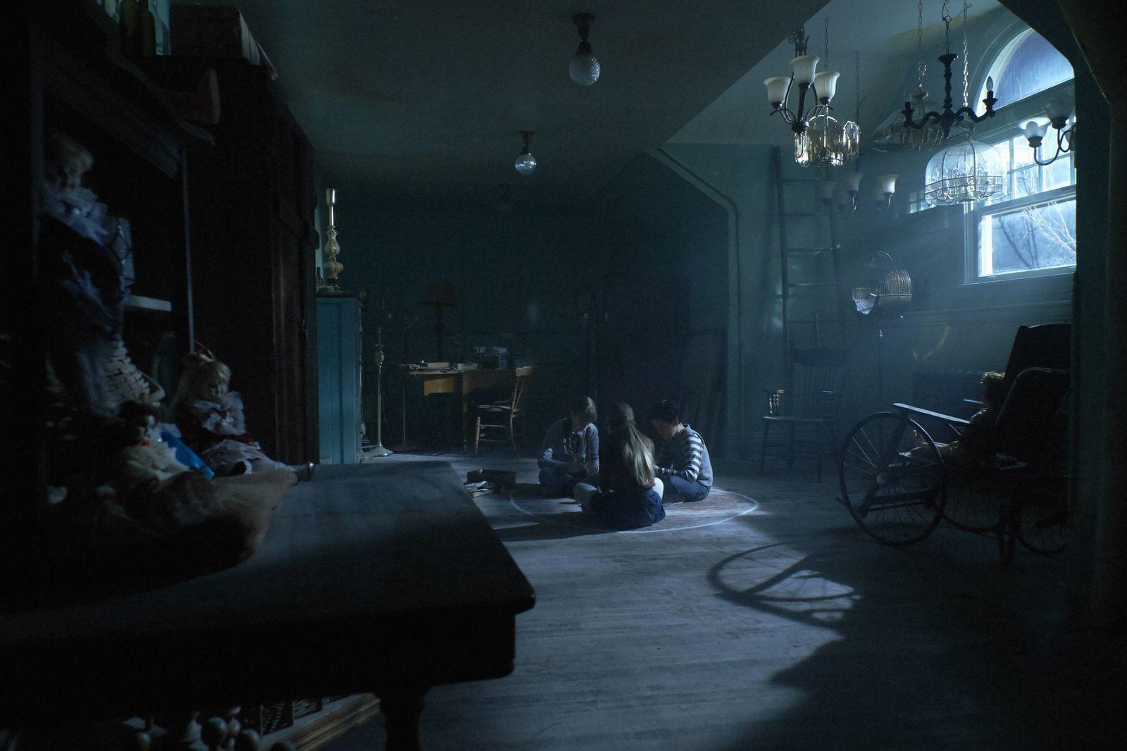The Midnight Man - Trò chơi ma quỷ đáng sợ chẳng kém gì cầu cơ Ouija - Ảnh 1.