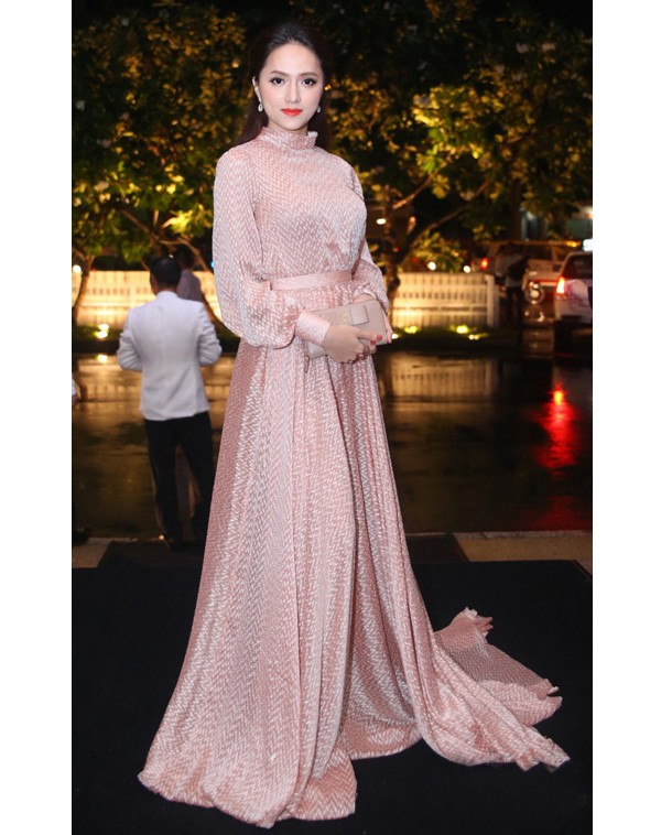 Nhìn vào loạt váy lộng lẫy này của Hương Giang Idol, biết đâu lại thấy tiềm năng một Hoa hậu? - Ảnh 7.