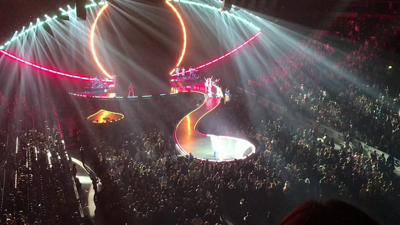 Những thiệt thòi mà fan Việt có thể phải chịu khi Katy Perry mang tour diễn hoành tráng đến Việt Nam - Ảnh 3.