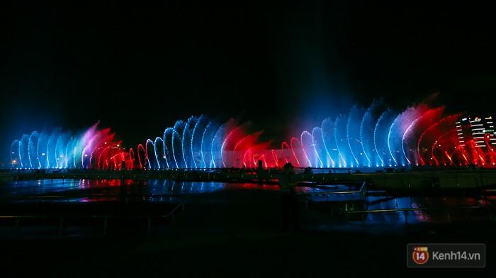 Hệ thống âm thánh, ánh sáng, màu sắc luôn có sự kết hợp nhịp nhàng.