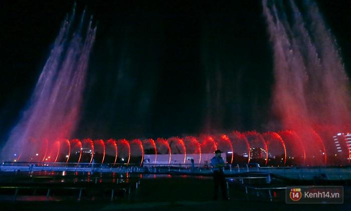 Để có những màn biểu diễn nhạc nước mang tầm cỡ Đông Nam Á, đơn vị đầu tư đã bỏ ra 3 triệu USD.
