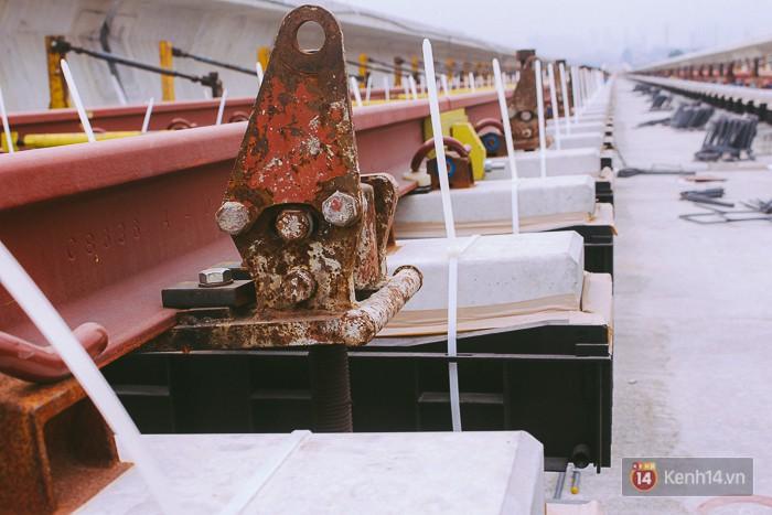 Chùm ảnh: Hơn 2,5km đường ray tàu trên cao tuyến Metro Bến Thành - Suối Tiên ở Sài Gòn đã hoàn thành - Ảnh 12.