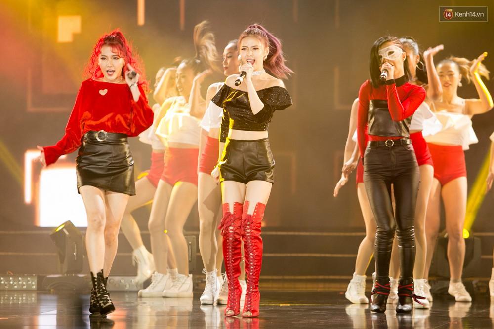 Cập nhật: GOT7 đem tới loạt hit siêu hot Never Ever, If You Do, Noo Phước Thịnh rước cả Hoa hậu Phạm Hương lên biểu diễn - Ảnh 3.