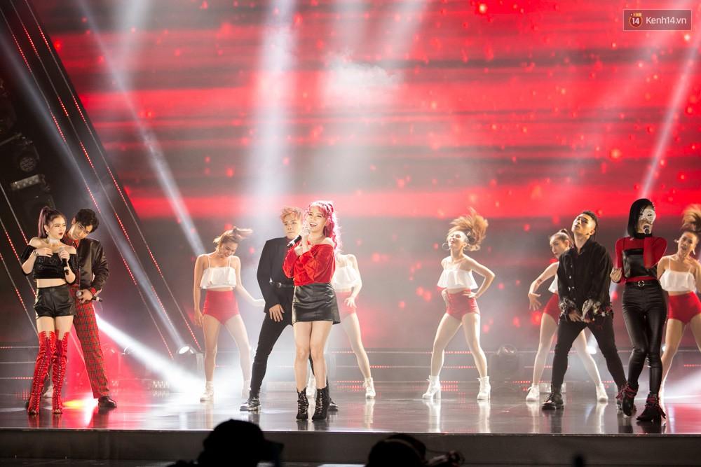 Cập nhật: GOT7 đem tới loạt hit siêu hot Never Ever, If You Do, Noo Phước Thịnh rước cả Hoa hậu Phạm Hương lên biểu diễn - Ảnh 4.