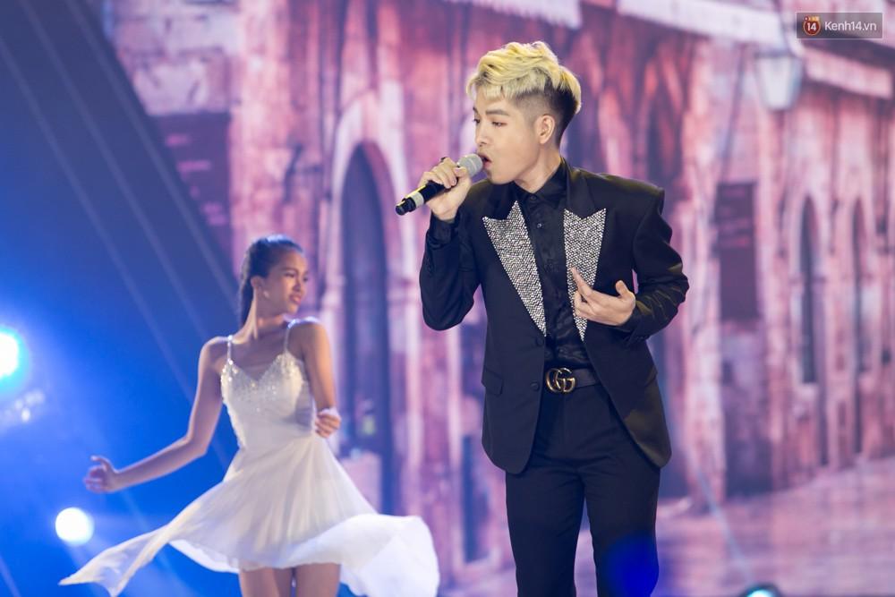 Cập nhật: GOT7 đem tới loạt hit siêu hot Never Ever, If You Do, Noo Phước Thịnh rước cả Hoa hậu Phạm Hương lên biểu diễn - Ảnh 9.