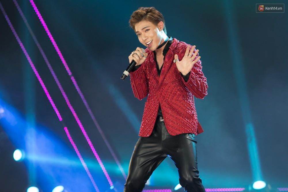 Cập nhật: GOT7 đem tới loạt hit siêu hot Never Ever, If You Do, Noo Phước Thịnh rước cả Hoa hậu Phạm Hương lên biểu diễn - Ảnh 14.