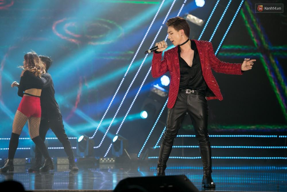 Cập nhật: GOT7 đem tới loạt hit siêu hot Never Ever, If You Do, Noo Phước Thịnh rước cả Hoa hậu Phạm Hương lên biểu diễn - Ảnh 15.