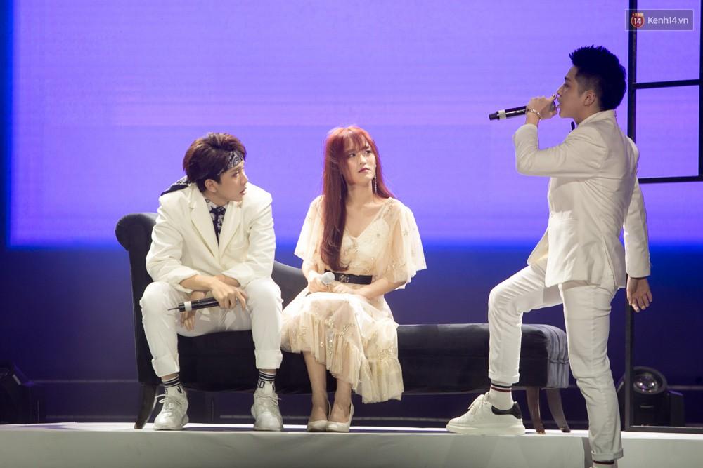 Cập nhật: GOT7 đem tới loạt hit siêu hot Never Ever, If You Do, Noo Phước Thịnh rước cả Hoa hậu Phạm Hương lên biểu diễn - Ảnh 19.