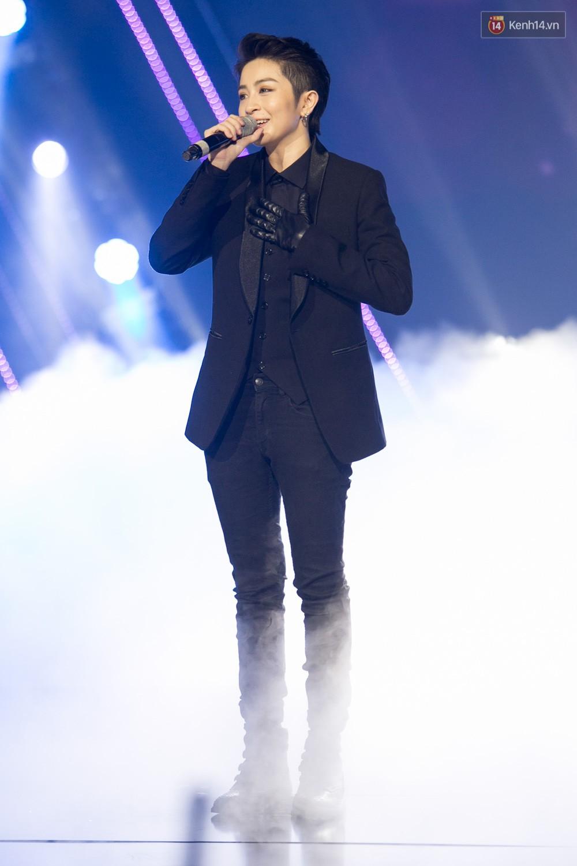 Cập nhật: GOT7 đem tới loạt hit siêu hot Never Ever, If You Do, Noo Phước Thịnh rước cả Hoa hậu Phạm Hương lên biểu diễn - Ảnh 26.