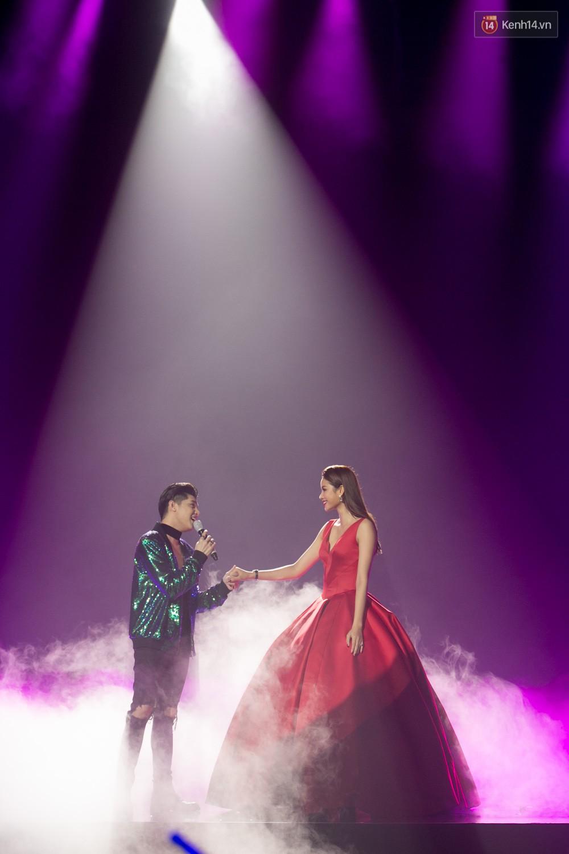 Cập nhật: GOT7 đem tới loạt hit siêu hot Never Ever, If You Do, Noo Phước Thịnh rước cả Hoa hậu Phạm Hương lên biểu diễn - Ảnh 38.