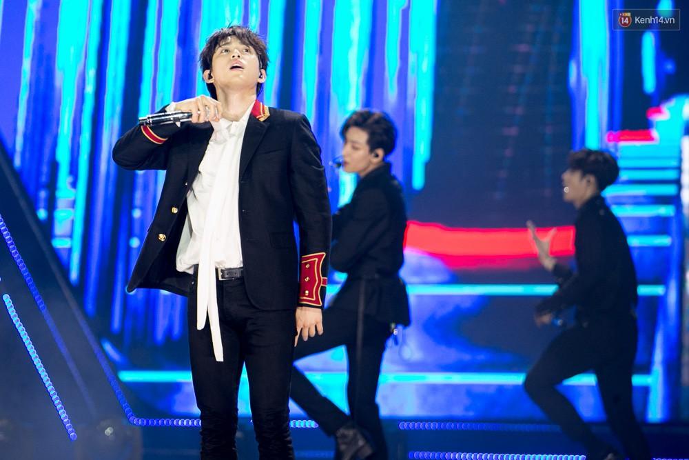 Cập nhật: GOT7 đem tới loạt hit siêu hot Never Ever, If You Do, Noo Phước Thịnh rước cả Hoa hậu Phạm Hương lên biểu diễn - Ảnh 63.
