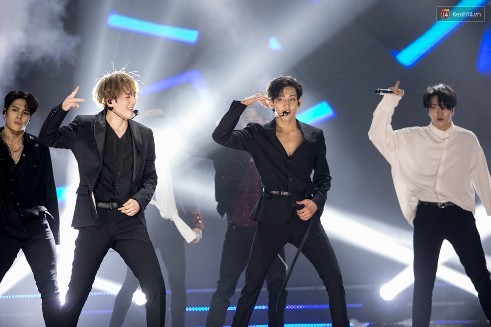Cập nhật: GOT7 đem tới loạt hit siêu hot Never Ever, If You Do, Noo Phước Thịnh rước cả Hoa hậu Phạm Hương lên biểu diễn - Ảnh 65.