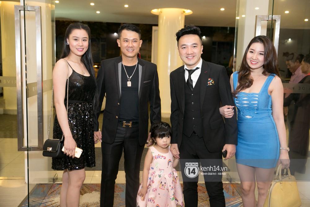 Lê Giang lần đầu lộ diện sau lùm xùm với Duy Phương, cùng dàn sao Vbiz đến chúc mừng đám cưới của Lâm Khánh Chi - Ảnh 5.