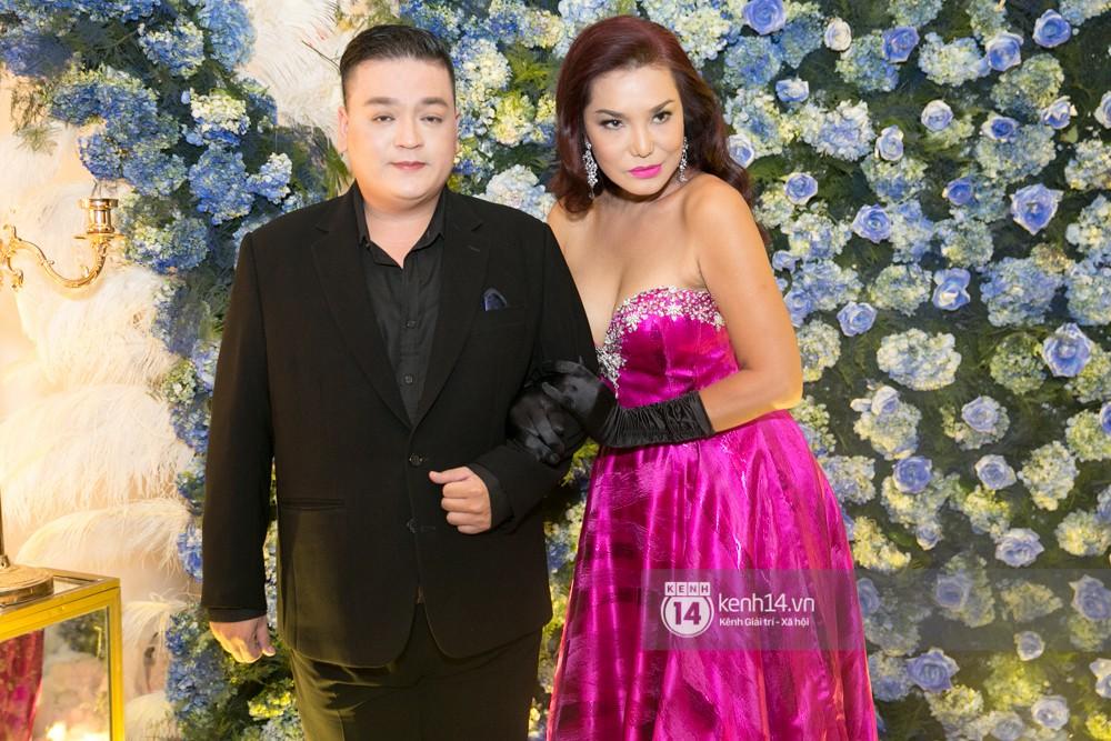 Lê Giang lần đầu lộ diện sau lùm xùm với Duy Phương, cùng dàn sao Vbiz đến chúc mừng đám cưới của Lâm Khánh Chi - Ảnh 3.