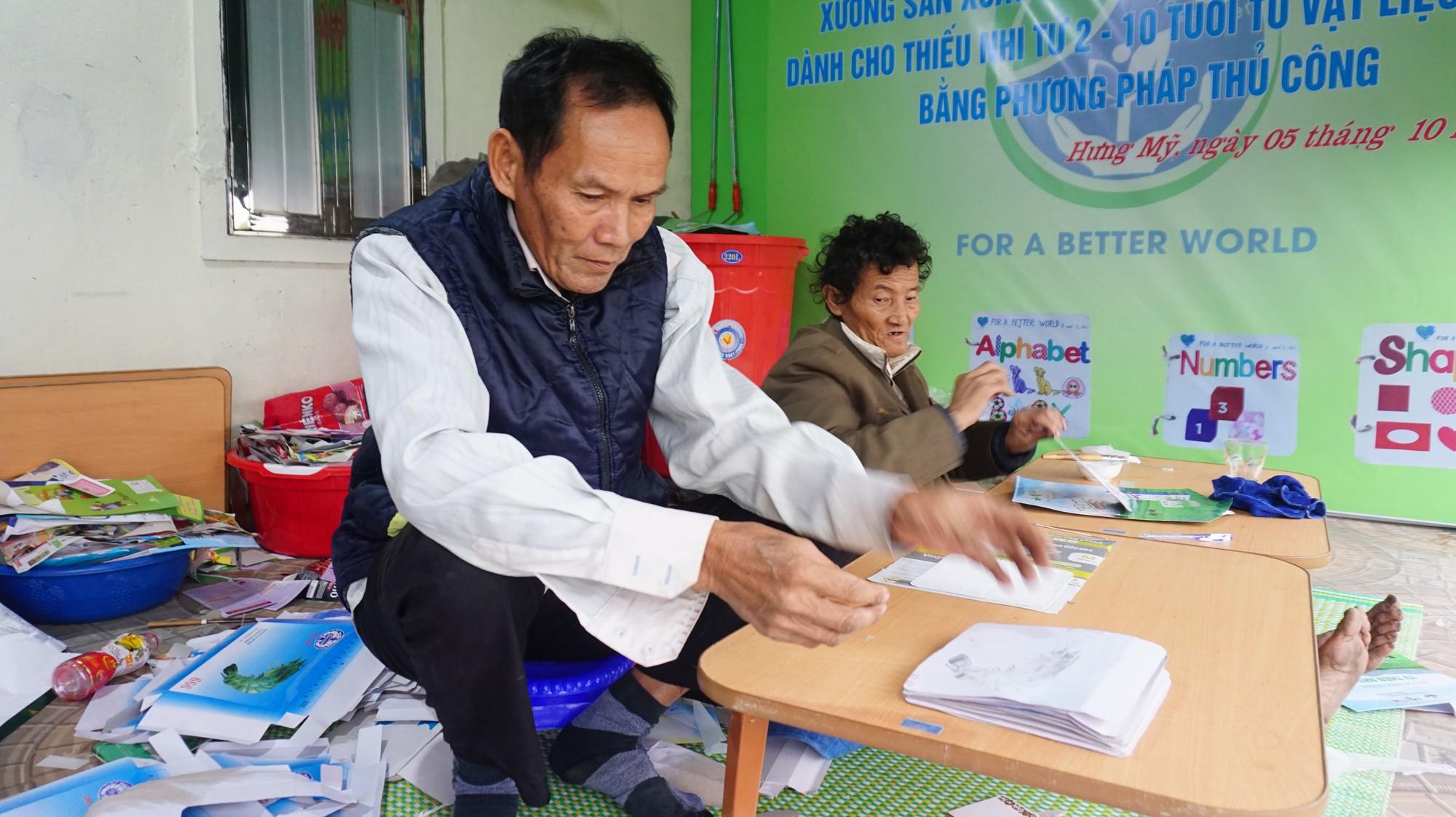 Cô gái Nghệ An từ bỏ mức lương 15 triệu để về quê tạo công việc cho người khuyết tật - Ảnh 5.