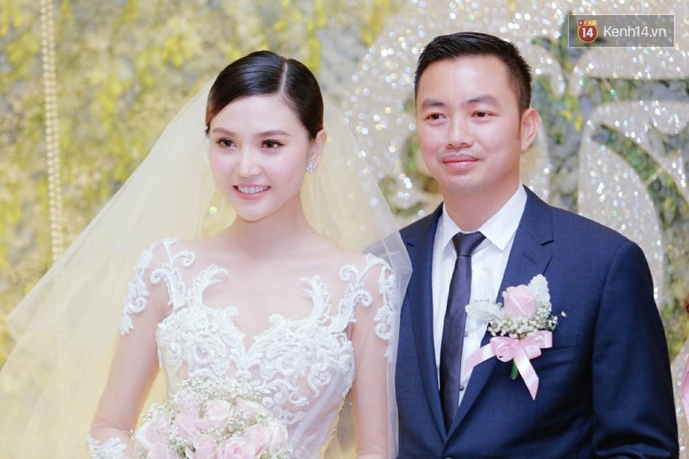 Ngọc Duyên cực xinh đẹp, hạnh phúc sánh đôi bên ông xã hơn 18 tuổi trong tiệc cưới xa hoa tại Hà Nội - Ảnh 3.