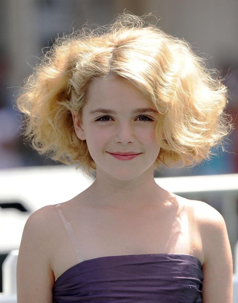 Tất tần tật những điều bạn cần biết về sắc đẹp và tài năng của cô phù thủy nhỏ Sabrina Kiernan Shipka - Ảnh 2.
