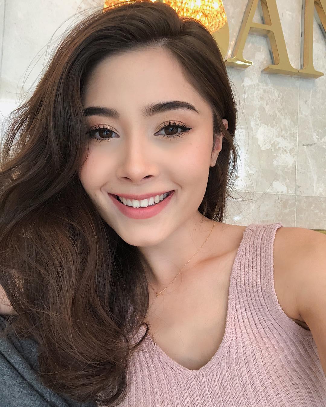 Hot girl châu Á đổi tóc dịp năm mới: người cắt mái xinh ngất, người xén cả chục centimet tóc, người giữ khư khư tóc dài - Ảnh 10.