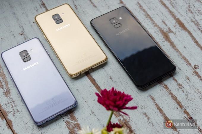 Đập hộp Galaxy A8 (2018): Có gì mới trong bộ sản phẩm cận cao cấp chính hãng Samsung? - Ảnh 5.