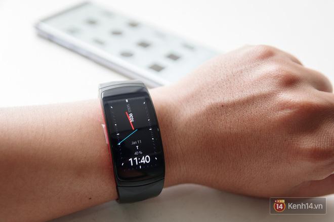 Không chỉ để theo dõi sức khỏe, Gear Fit2 Pro còn nhiều tác dụng hay ho hơn nữa - Ảnh 2.