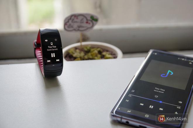 Không chỉ để theo dõi sức khỏe, Gear Fit2 Pro còn nhiều tác dụng hay ho hơn nữa - Ảnh 7.