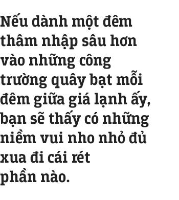 Những công nhân thâu đêm nạo vét hồ Gươm trong cái rét 10 độ C ở Hà Nội: Uống tách trà nóng, cười một cái rồi làm tiếp! - Ảnh 11.