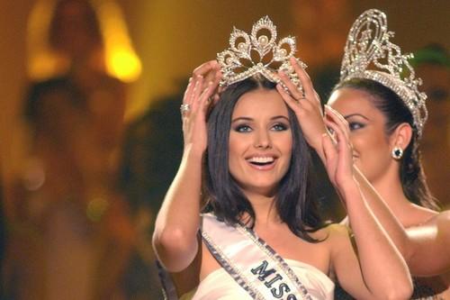 Những vụ Hoa hậu bị tước vương miện trên thế giới: Kẻ lộ ảnh nude, người bị phát hiện có chồng con - Ảnh 6.