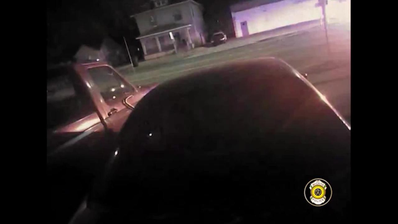 Chỉ vì cuộc điện thoại chơi khăm, một thanh niên bị bắn chết ngay trước cửa nhà - Ảnh 3.