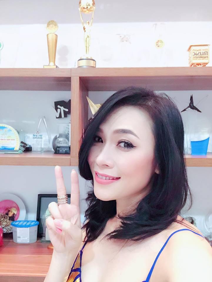 Mỹ Tâm, Sơn Tùng M-TP và dàn sao Việt rộn ràng gửi lời chúc mừng năm mới 2018 - Ảnh 1.
