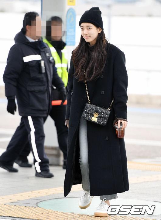 Suzy để mặt mộc 100% cũng xinh đẹp hết phần người ta - Ảnh 1.