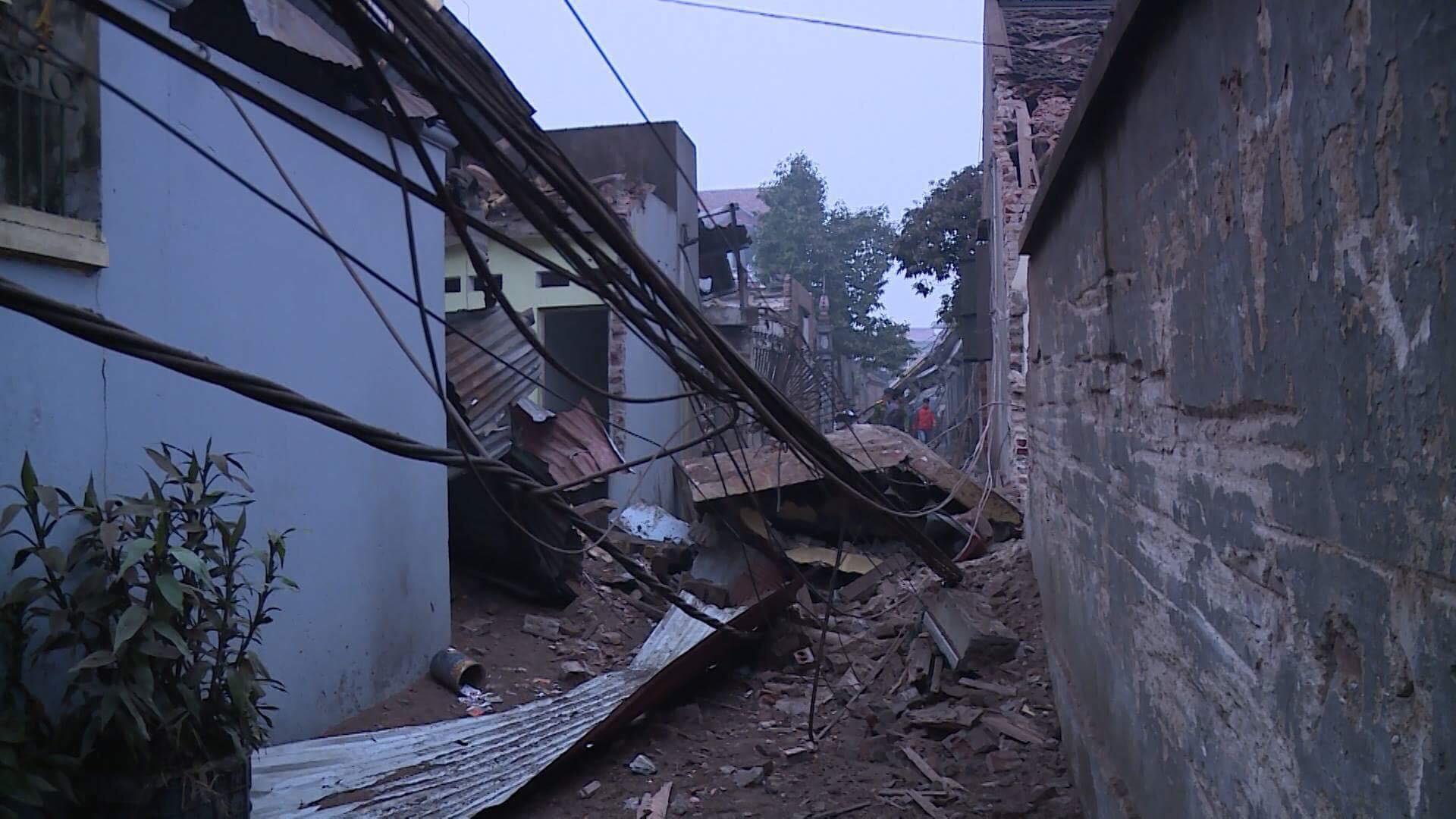 Nổ kinh hoàng ở Bắc Ninh lúc rạng sáng khiến 2 cháu bé tử vong, nhiều ngôi nhà bị san phẳng - Ảnh 7.