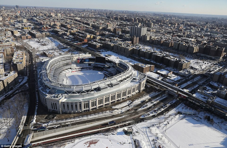 Sau trận bão tuyết kinh hoàng, thành phố New York hoang tàn, ảm đạm như trong phim Ngày Tận Thế - Ảnh 16.