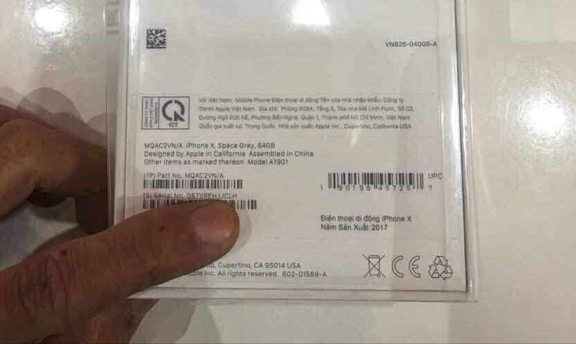 iPhone X chính hãng chênh nhau hơn 3 triệu đồng - Ảnh 3.