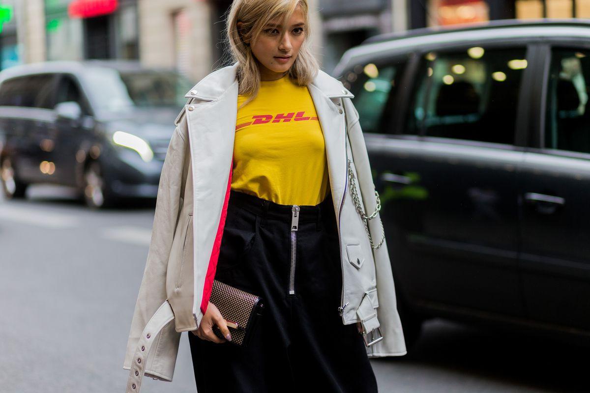 Top 9 xu hướng thời trang đường phố nổi bật nhất năm 2017 do tạp chí HYPEBEAST bình chọn - Ảnh 39.