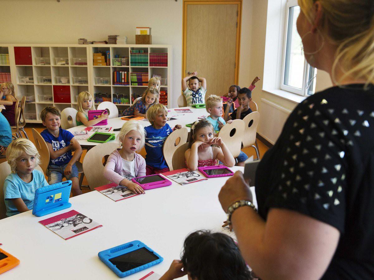 Bên trong Trường học Steve Jobs: iPad thay sách giáo khoa, học sinh ăn rất nhiều táo - Ảnh 1.