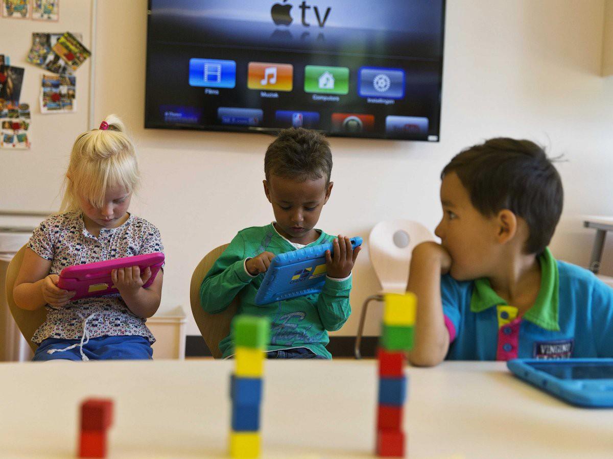 Bên trong Trường học Steve Jobs: iPad thay sách giáo khoa, học sinh ăn rất nhiều táo - Ảnh 2.