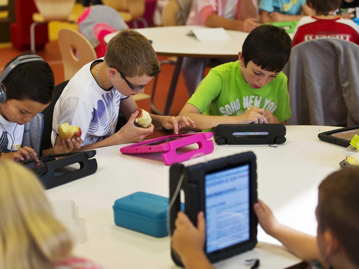 Bên trong Trường học Steve Jobs: iPad thay sách giáo khoa, học sinh ăn rất nhiều táo - Ảnh 7.