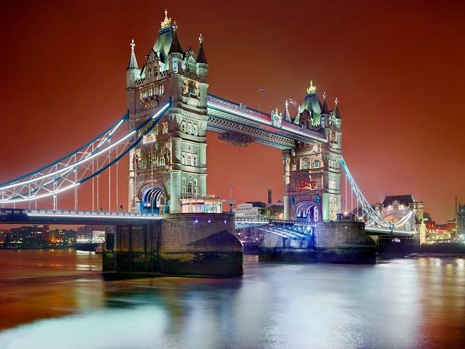 Chiêm ngưỡng những thành phố rực rỡ nhất thế giới về đêm - Ảnh 1.