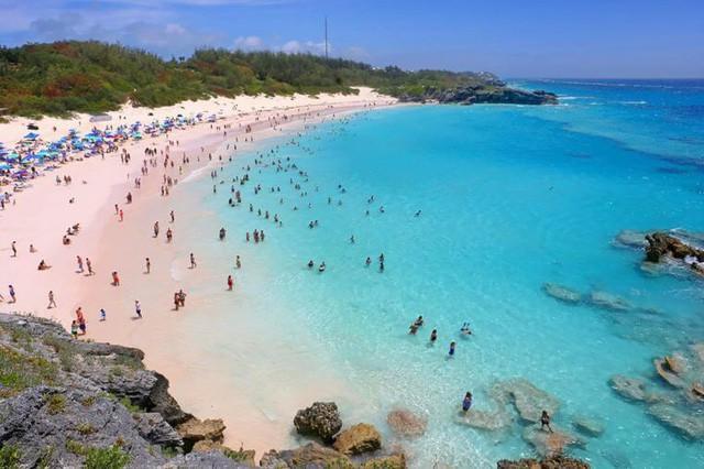 Ngắm nhìn vẻ đẹp thơ mộng của những bãi biển cát hồng đẹp nhất thế giới - Ảnh 4.
