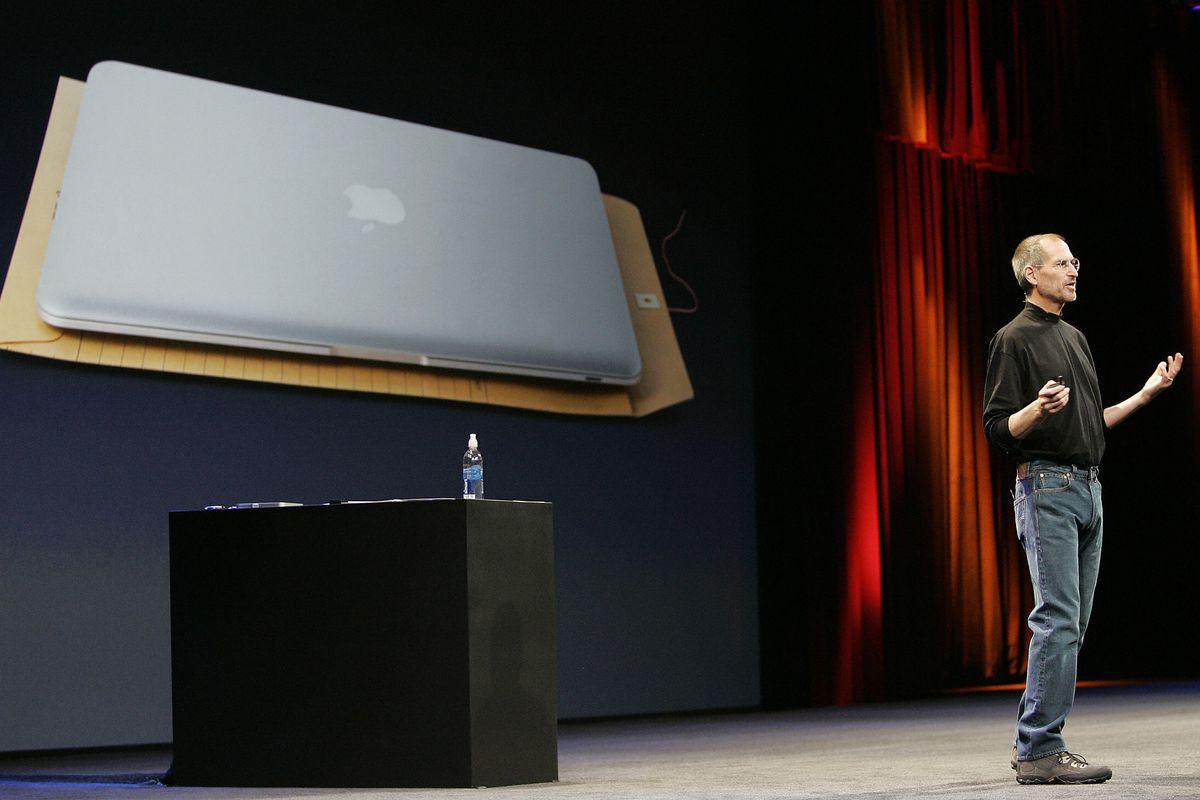 Chiếc laptop từng là tương lai thế giới vừa kỷ niệm 10 năm ra đời, nhưng nay lại đang tụt hậu dần - Ảnh 3.