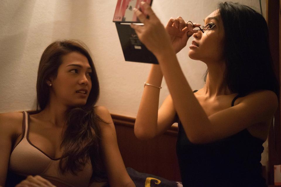 Vượt qua trầm cảm và định kiến, cô gái chuyển giới Thái Lan vươn lên thành một người mẫu xinh đẹp - Ảnh 3.