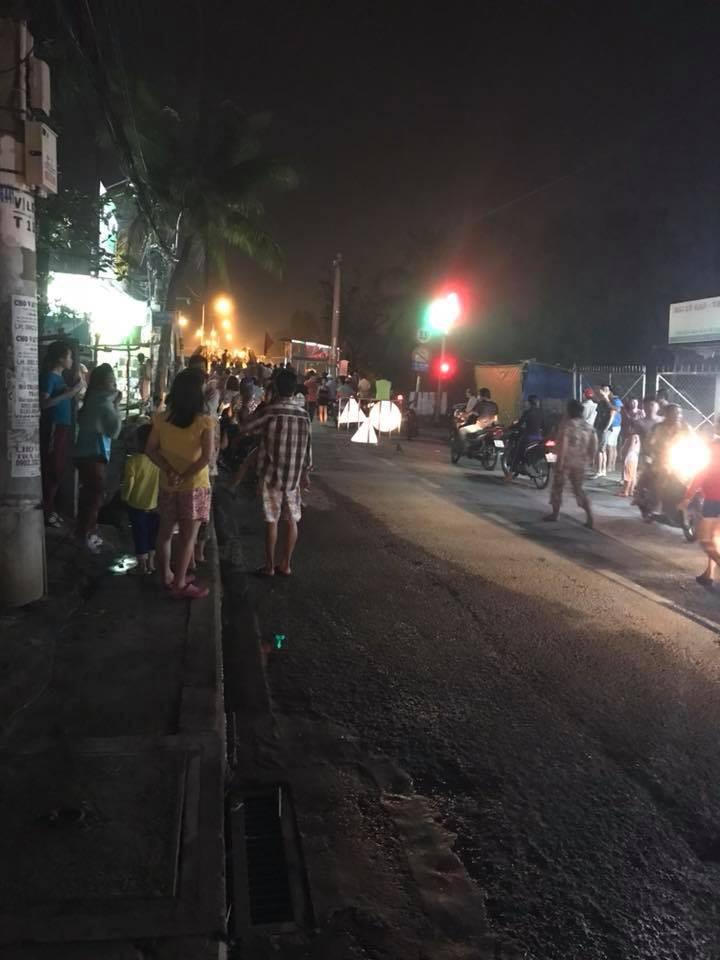 Nhân chứng vụ sập cầu ở Sài Gòn: Tài xế trong xe tải chỉ kịp kêu lên Cứu, cứu rồi chìm dần - Ảnh 4.