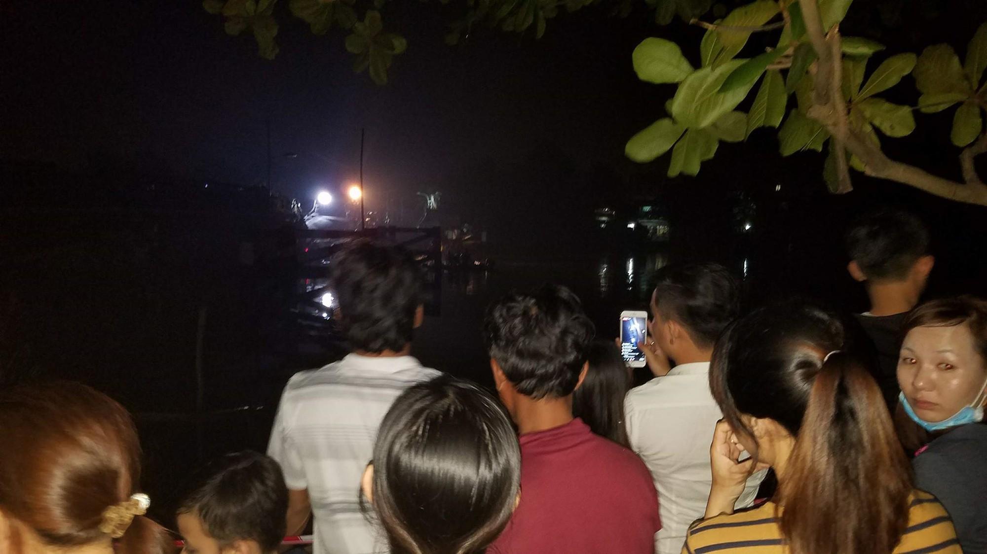 Nhân chứng vụ sập cầu ở Sài Gòn: Tài xế trong xe tải chỉ kịp kêu lên Cứu, cứu rồi chìm dần - Ảnh 10.
