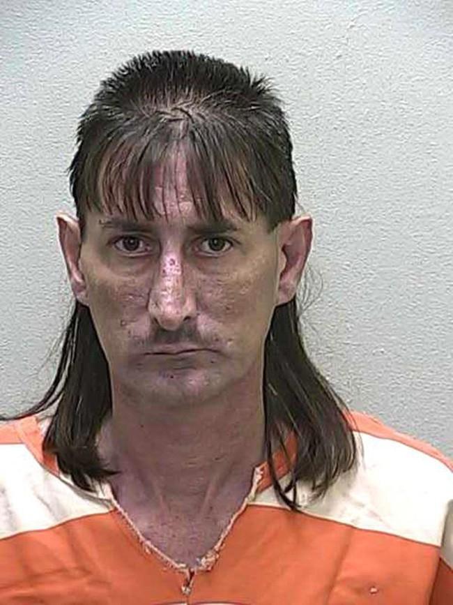 15 tên tội phạm khiến cảnh sát cười chết ngất vì kiểu tóc xấu hết chỗ nói - Ảnh 21.