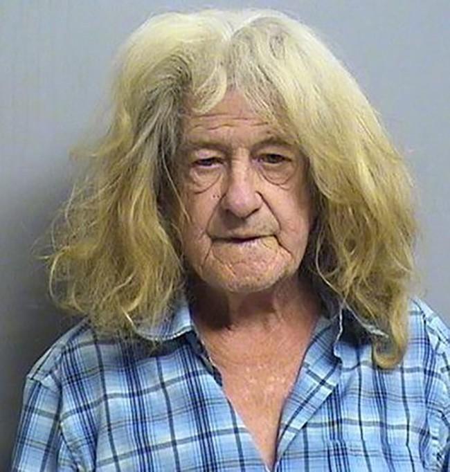 15 tên tội phạm khiến cảnh sát cười chết ngất vì kiểu tóc xấu hết chỗ nói - Ảnh 29.