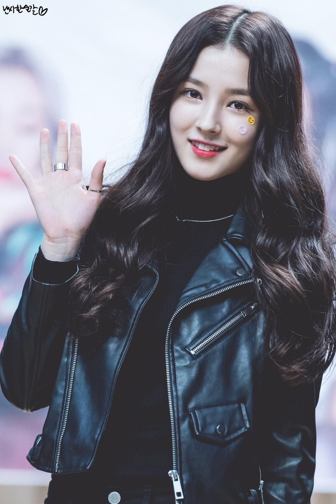 Nam thanh nữ tú thần tượng thế hệ 2000: Ai sẽ là nhân tố đáng mong đợi nhất của làng giải trí xứ Hàn? - Ảnh 25.