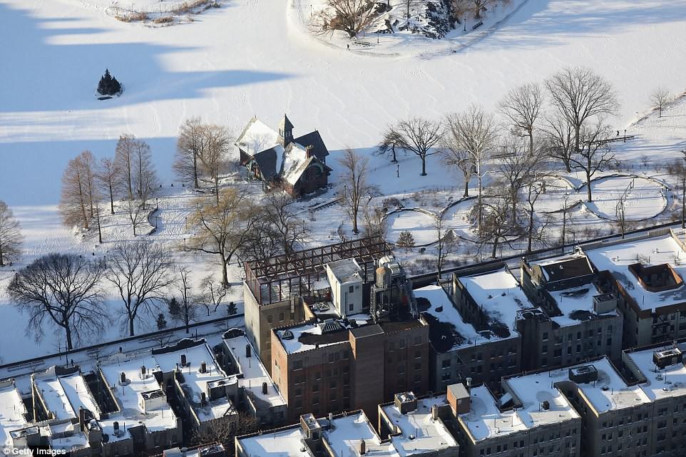Câu chuyện 2 bán cầu: sông Chicago, Mỹ đóng băng dưới cái lạnh -50 độ C, Sydney nắng nóng kỷ lục 47 độ C, cao nhất 79 năm qua - Ảnh 5.