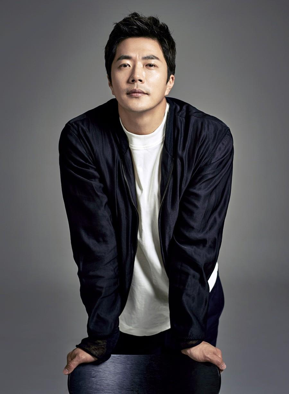 Với khối tài sản nghìn tỉ, Jeon Ji Hyun chễm chệ trong Top 10 đại gia bất động sản năm 2017 giữa 2 ông lớn showbiz - Ảnh 11.